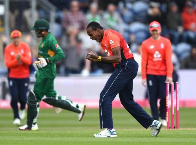 انگلینڈ کرکٹ ٹیم 15 سال بعد پاکستان کا دورہ کرنے پر تیار