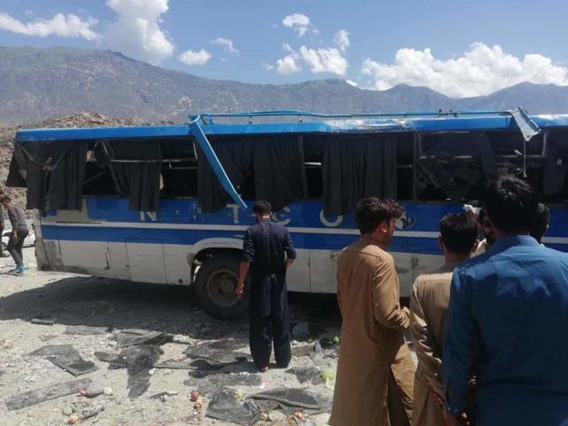 جگلوٹ کے قریب بس الٹ گئی،2خواتین جاں بحق