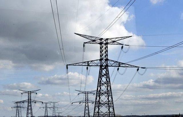 سستا فیول ہونے کے باوجود حکومت نے بجلی کے ریٹ کیوں بڑھائے؟