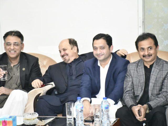 ایم کیو ایم اور تحریک انصاف میں پھر ٹھن گئی، سندھ کی سیاست میں اہم موڑ