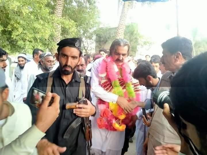 وفاقی وزیر گنڈہ پور نے ایس او پیز روند ڈالیں