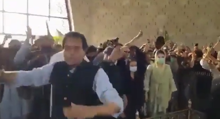 مزار قائد واقعہ کی تحقیقات، سندھ حکومت کے پیر لڑکھڑا گئے