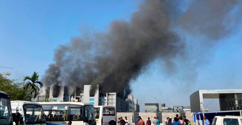 دنیا کے سب سے بڑے کورونا ویکسین سینٹر میں آگ لگ گئی