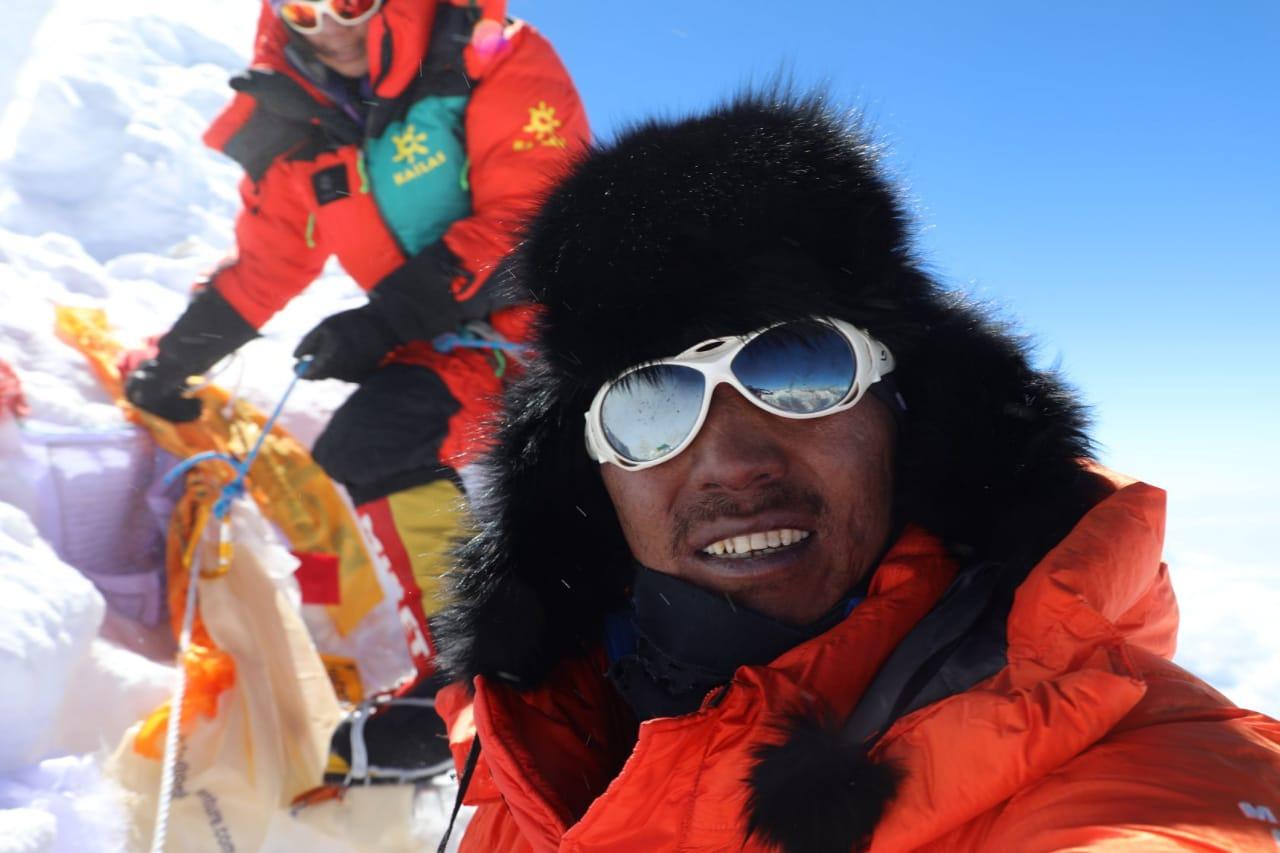 دنیا کی دوسری بلند ترین چوٹی ' کے ٹو' کو پہلی بار موسم سرما میں سرکرلیا گیا