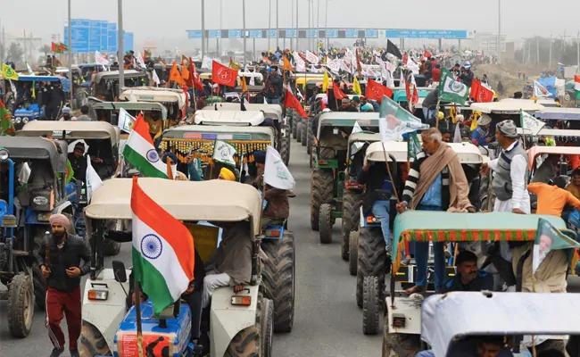 بھارتی کسانوں کی یوم جمہوریہ پر دہلی کی طرف ٹریکٹر ریلی