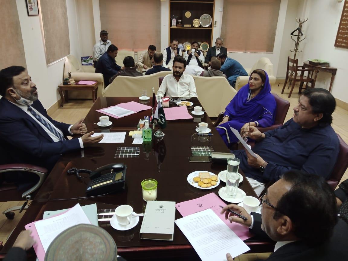 طلبہ کے مسائل حل کیلیے فنکشنل لیگ کے وفد کی کراچی یونیورسٹی آمد