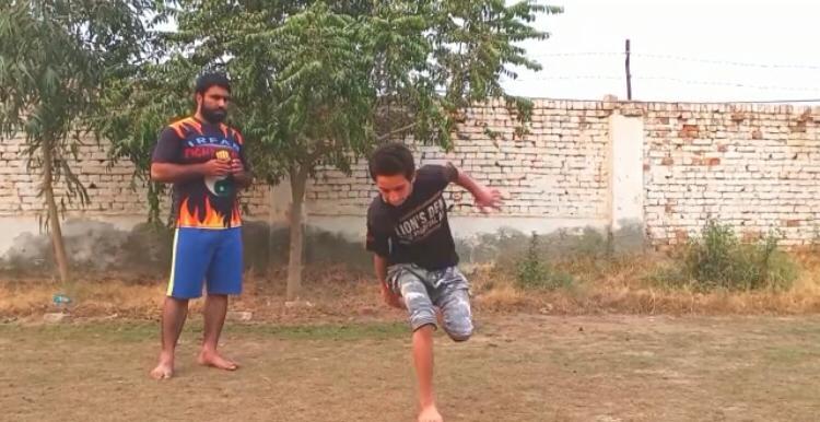 پاکستانی لڑکے نے برطانیہ کا گینیز ورلڈ ریکارڈ توڑ ڈالا