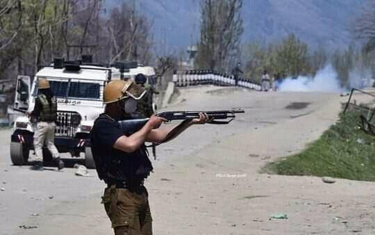 مقبوضہ کشمیر میں بھارتی فوج کی کارروئی مزید 7 کشمیری نوجوان شہید