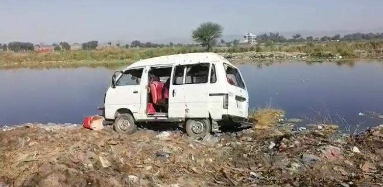 خوشاب میں عدالت جانے والے 4 افراد قتل 3 زخمی،مخالفین نے گاڑی پر گولیاں برسائیں