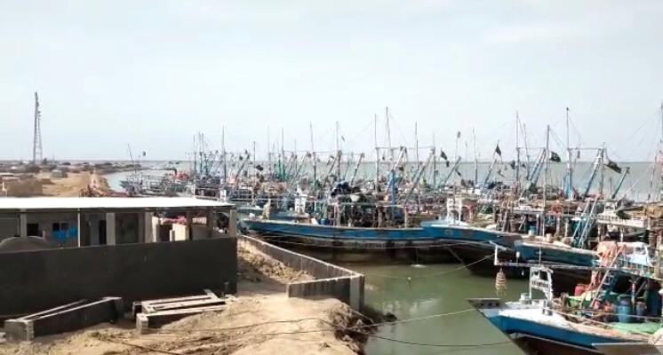 ٹھٹھہ طوفانی گرد آلود ہواؤں کی زد پر، ماہی گیربھی واپس آگئے