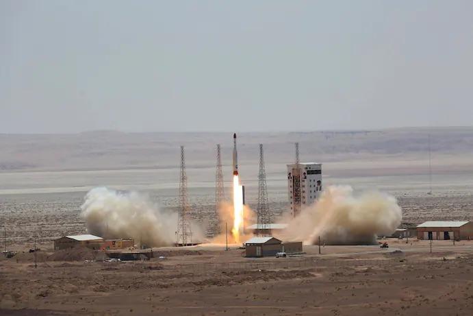 ایران کی مشرق وسطی پر بالادستی، جاسوسی کےلیے سیٹیلائٹ تیار