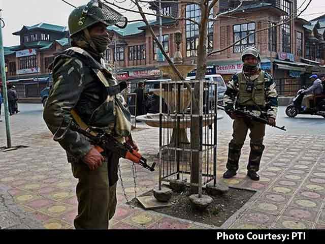 مقبوضہ کشمیر میں بھارتی مظالم  پرآواز اٹھانے والے صحافیوں کے بیرون سفر پر پابندی