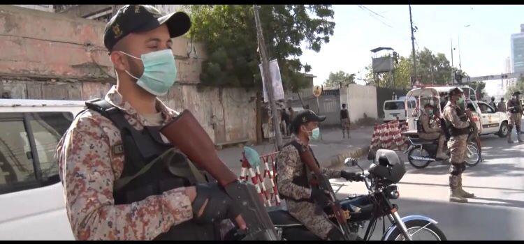 کراچی میں رینجرز کا غیرقانونی سیکیورٹی گارڈز کے خلاف کریک ڈاؤن