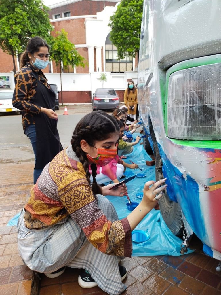 آسٹریلیا پاکستانی ثقافت سڑکوں پر بس آرٹ نمائش کا آغاز
